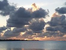 Sólsetur á Line eyjum í Kiribati í kvöld (átti sér stað klukkan 4 í nótt að íslenskum tíma)